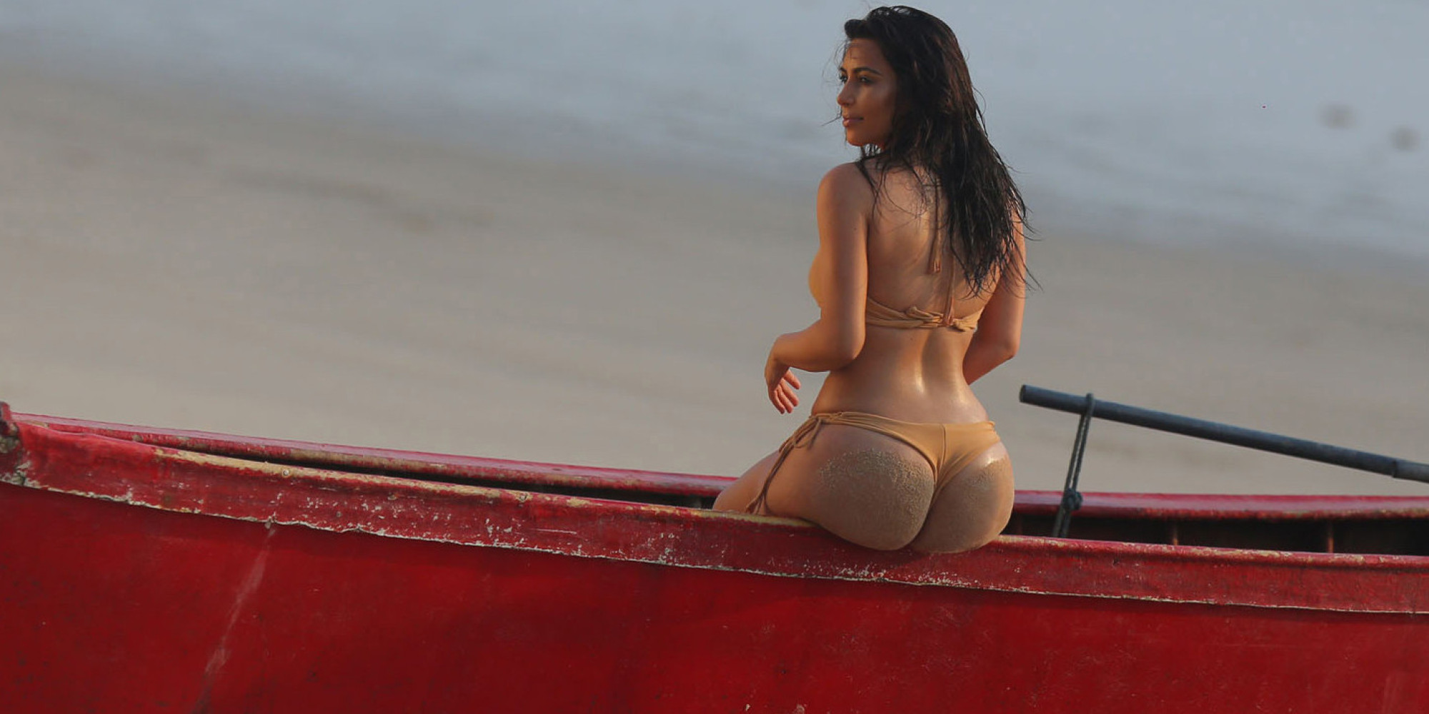 kim kardashian bum reality star flaunts her most famous asset during