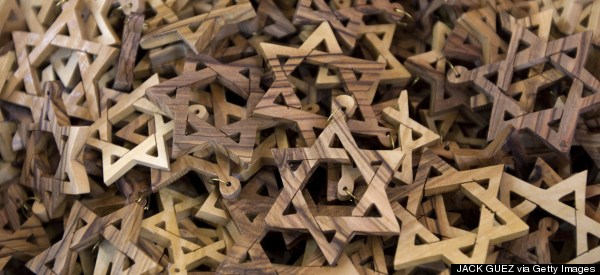 The Secret of Jewish Adaptability: Small-Scale Networks