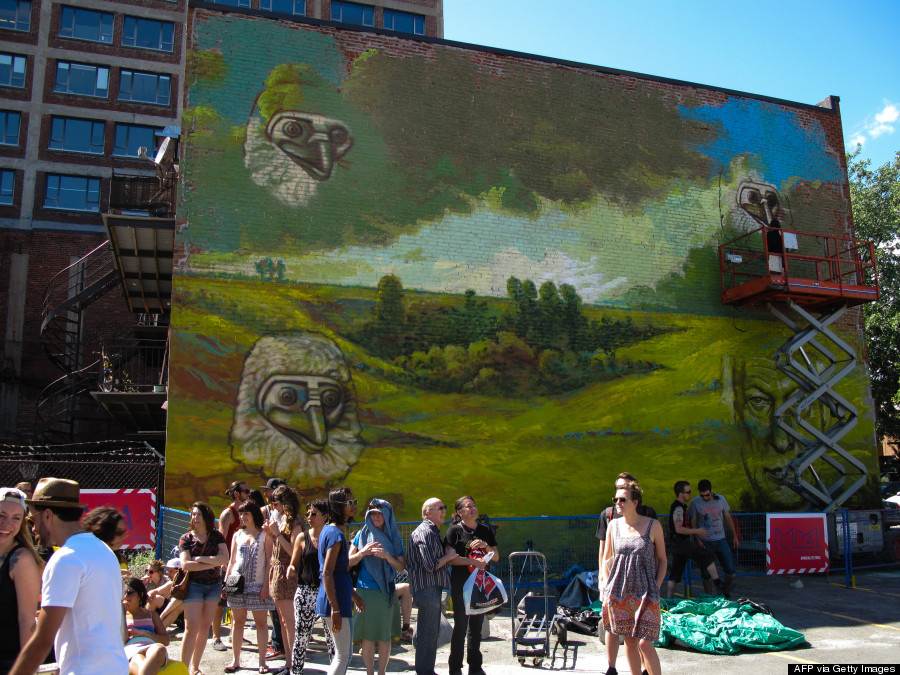 The 26 best cities in the world to see street art huffpost for Art mural montreal