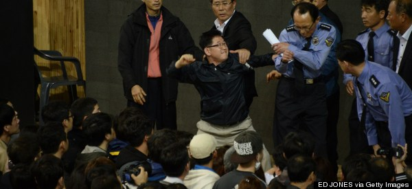 Fearful Ferry Relatives Vent Outrage At South Korea Officials