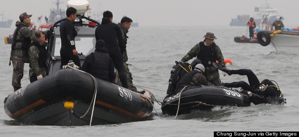 South Korea Divers Retrieve Bodies From Inside Sunken Ferry