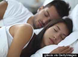 Votre position pour dormir en dit long sur votre couple
