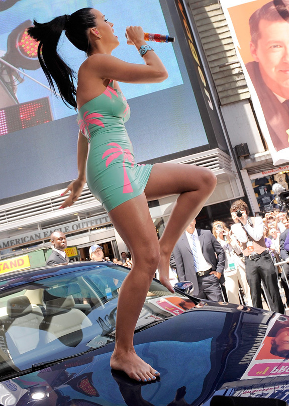 Katy Perry Likes Rubber Dresses, Volkswagen (PHOTOS) | HuffPost