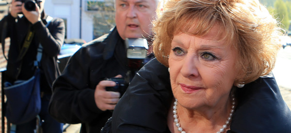 'Corrie' Star Barbara Arrives At Court