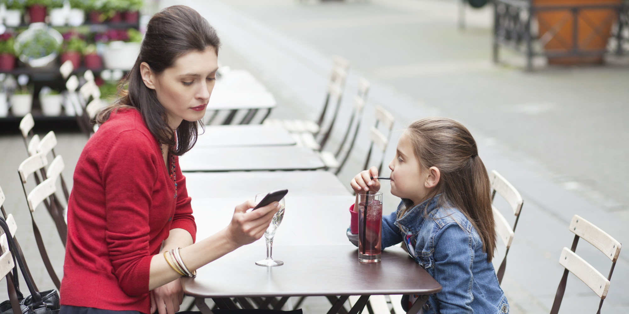 usage of phones by children While nations around the world are either banning or limiting cell phone use by children, and some by those under the age of 12 years-old, health canada has remained.