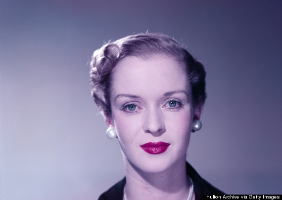 woman from the 1950s wearing lipstick