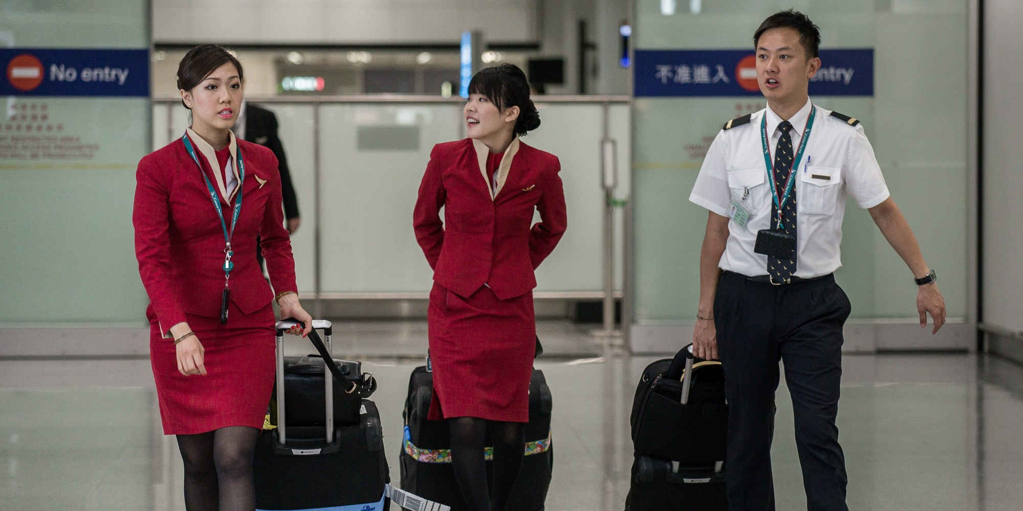 robbery flight attendant and officer It did seem strange to sharbonneau that the flight attendant who sold the   fashion usually opt to complain to the airline rather than the police,.