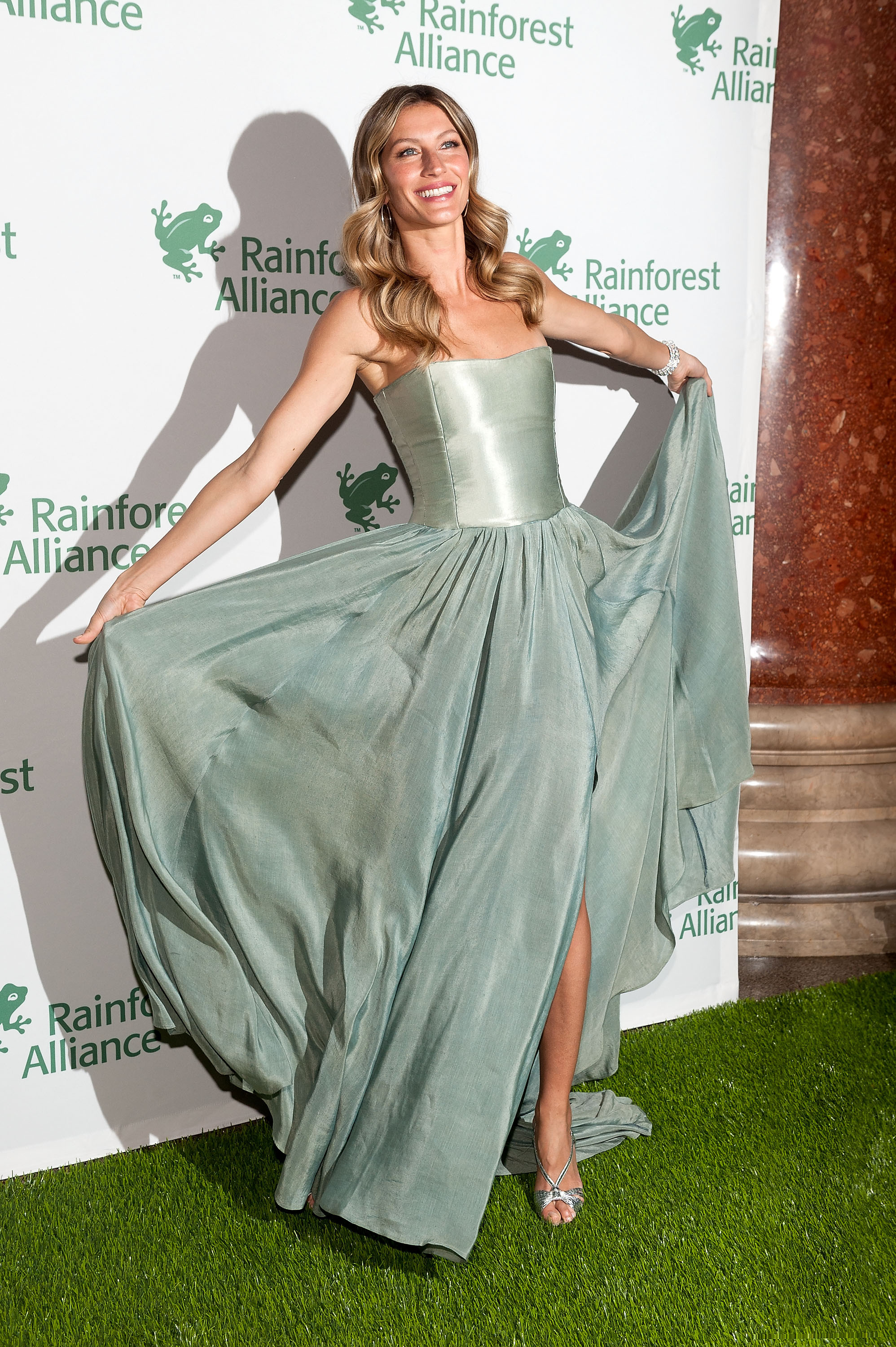 Gisele Bundchen Channels Her Inner Princess At Rainforest ...