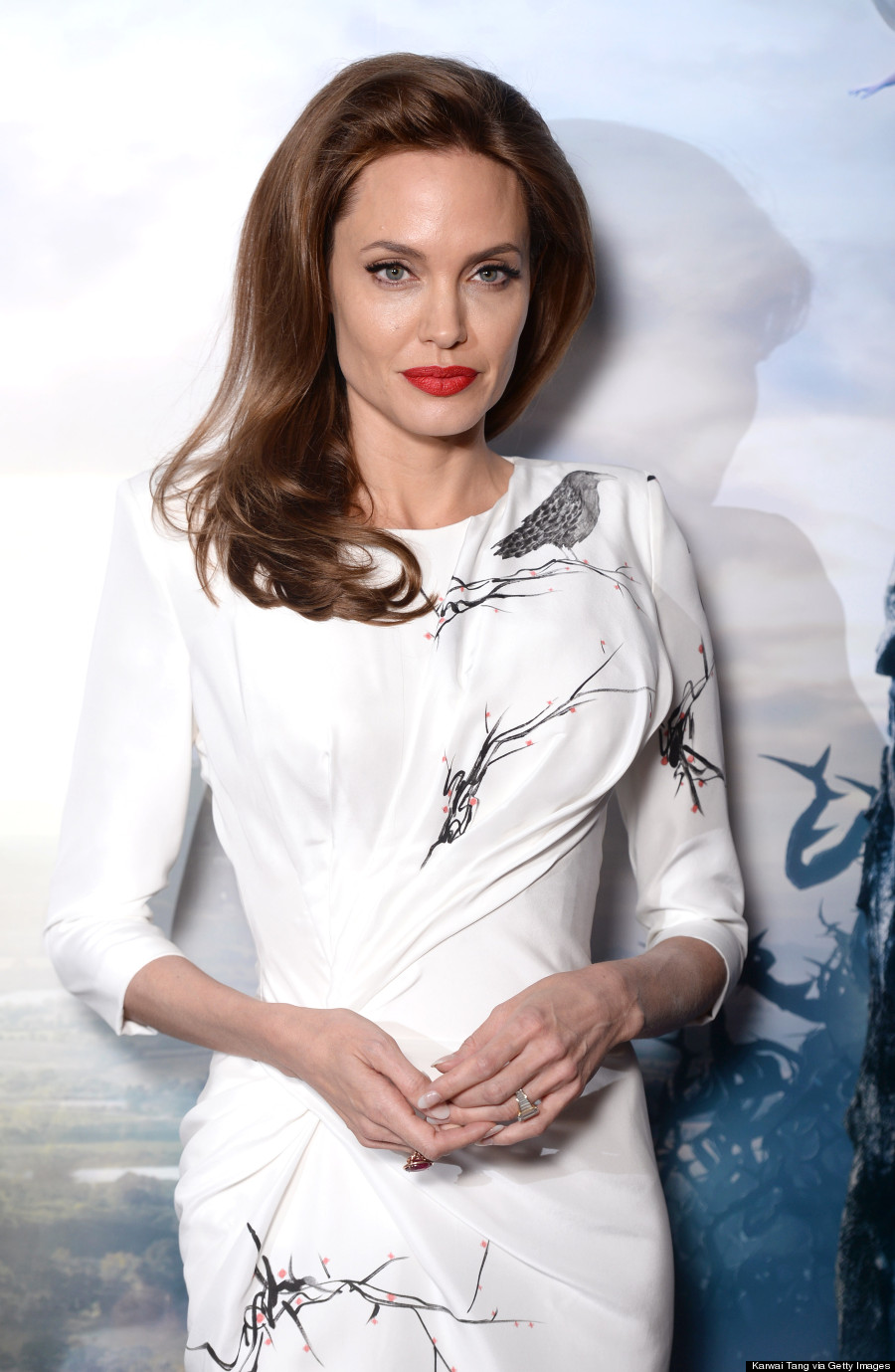 Angelina Jolie Look Using All Drugstore Makeup: Angelina Jolie Is A Vision In White Body-Hugging Versace Dress