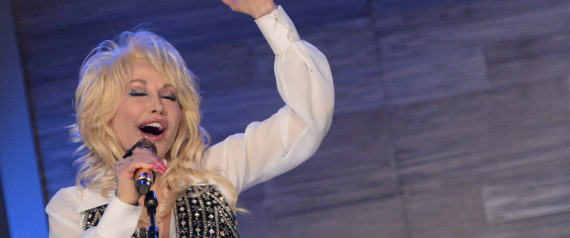 dolly defends miley
