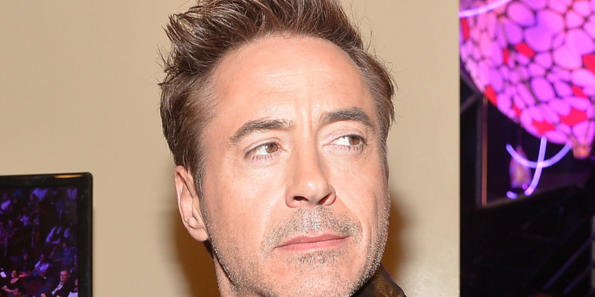 Watch Robert Downey Jr... Robert Downey Jr On Facebook