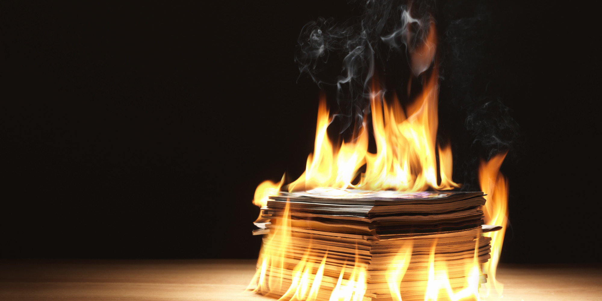 Chilean Artist Francisco Tapia Burns Financial Documents To 'Free' Students From Debt | HuffPost