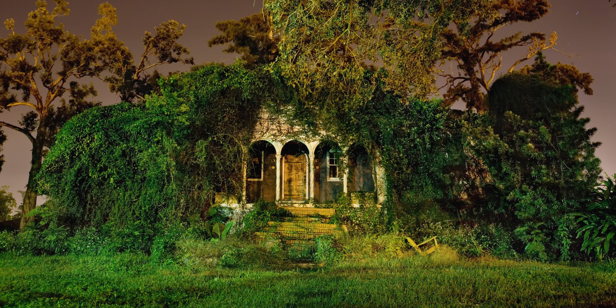 Haunting Photos Of New Orleans Houses Reveal Louisiana's Architectural Ghosts