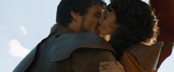 OBERYN MARTELL KISSES HIS PARAMOUR