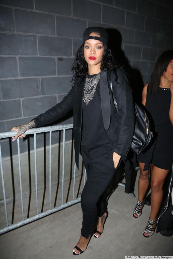 perfect rihanna all black outfit hair