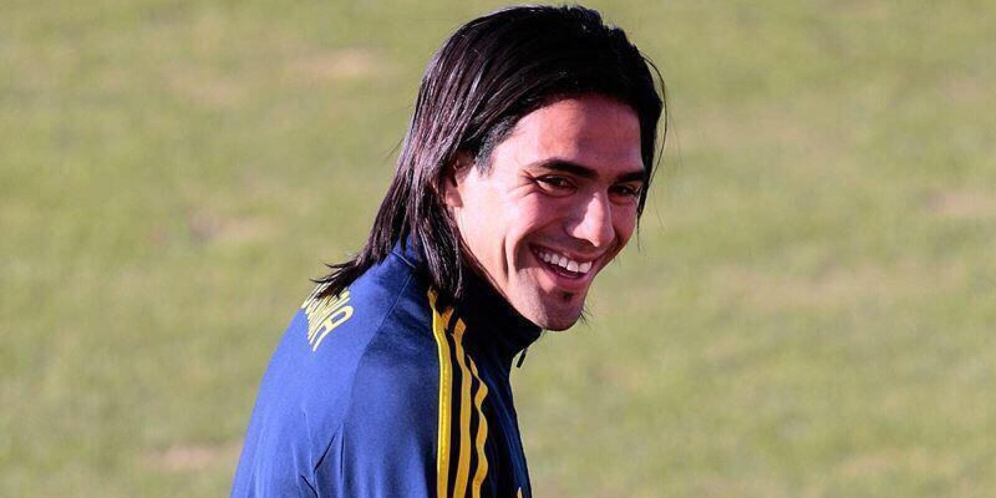 コロンビア代表から落選したファルカオ、笑顔の理由が男前すぎる シェア  コロンビア代表から落選し