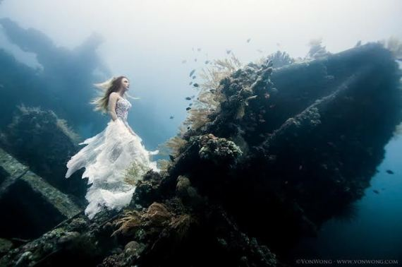 model underwater