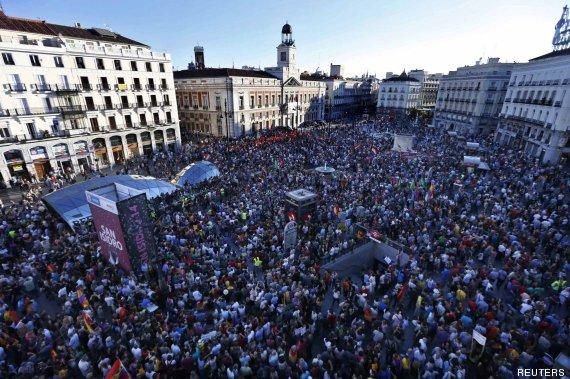 Miles personas se manifiestan en toda espa a para que se for Puerta del sol hoy
