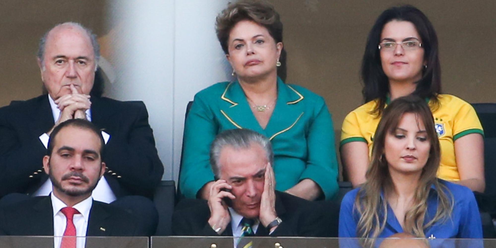 o DILMA facebook Lições sobre o dia em que brancos malditos xingaram Dilma.