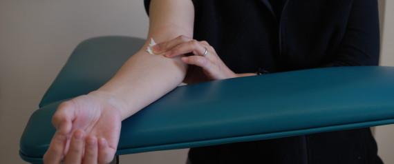 WOMAN BLOOD TEST