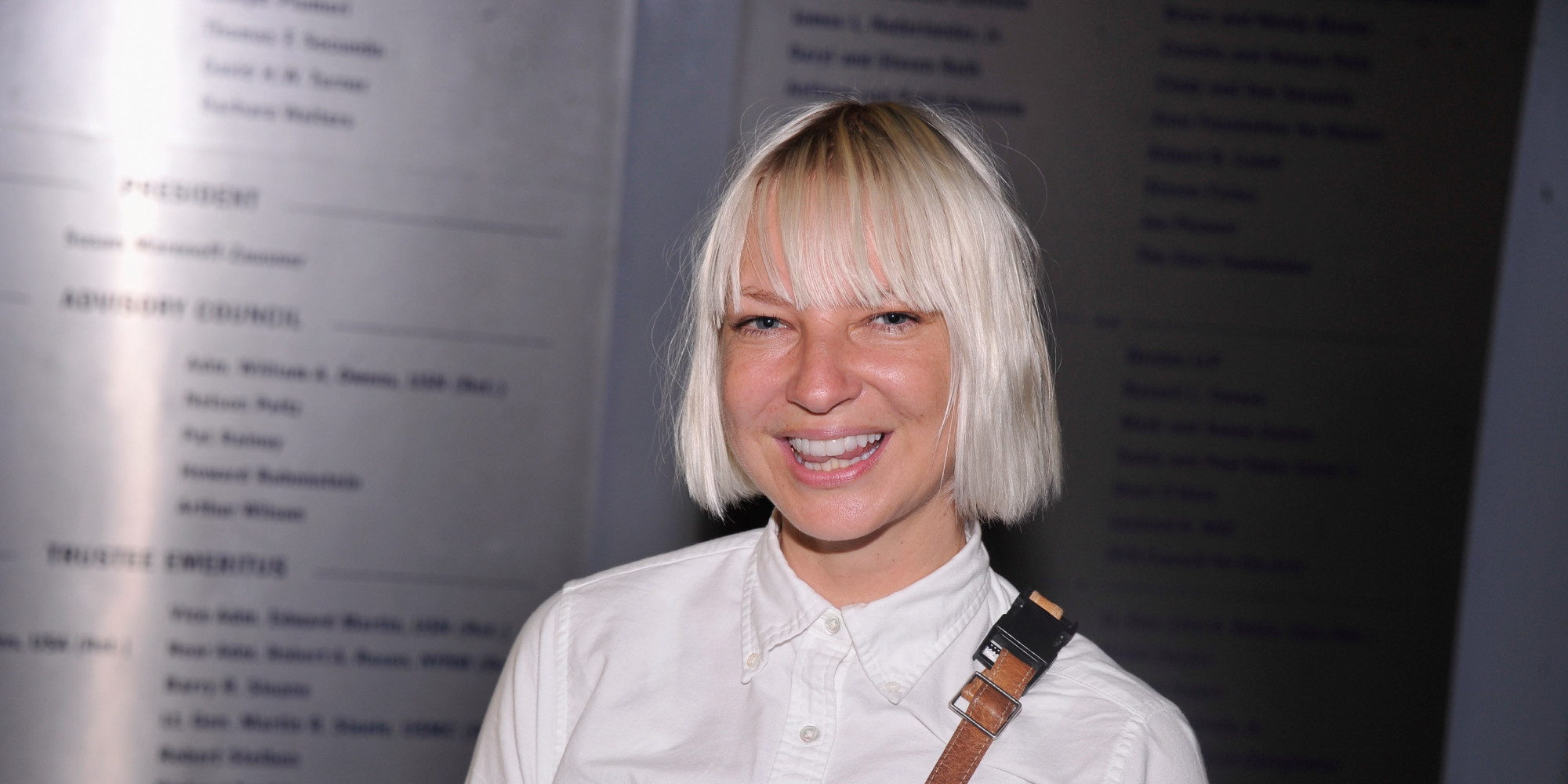 Sia Uses Her Twitter Followers To Destroy A Dry Cleaner's Reputation