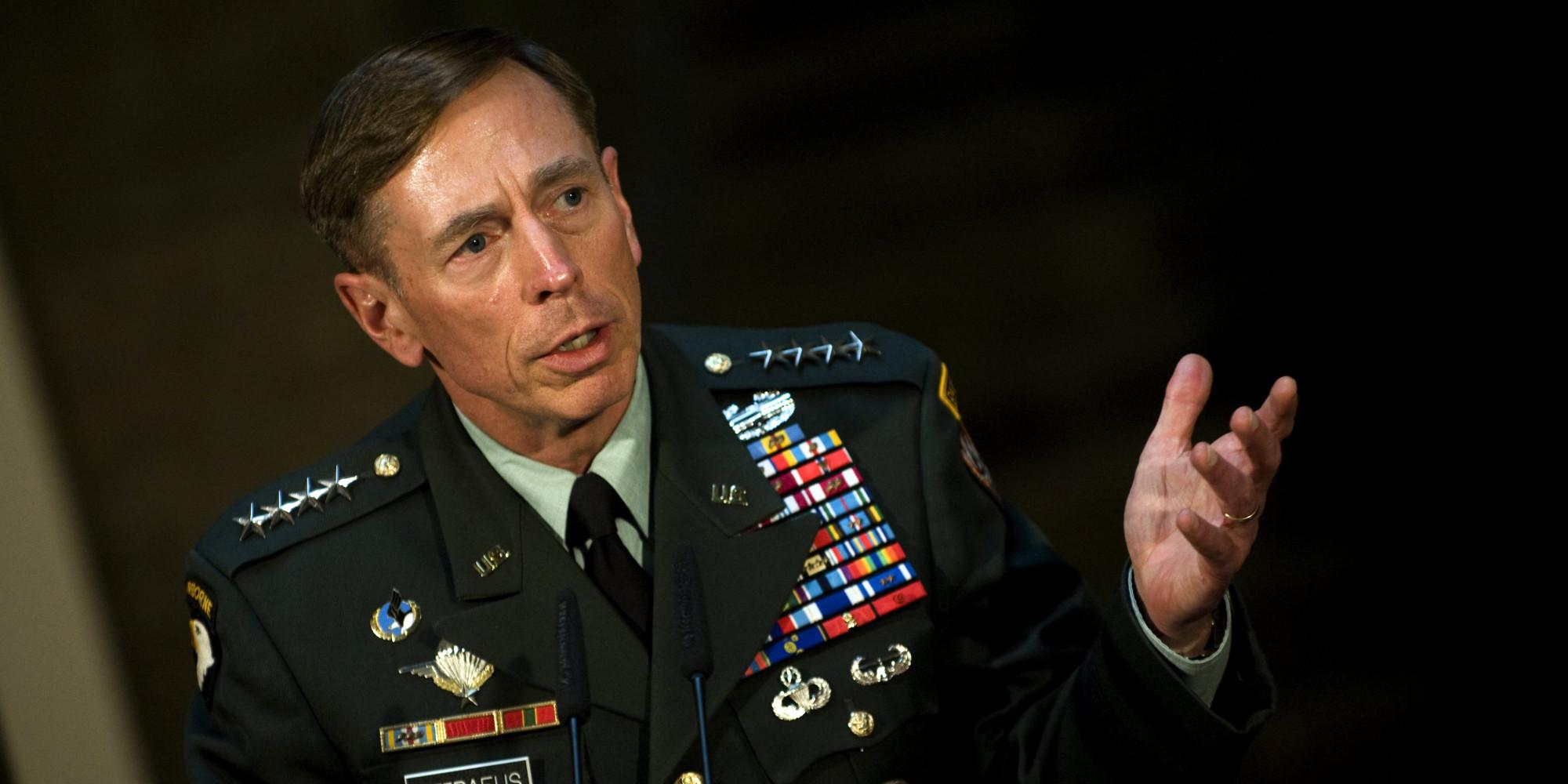 Dave Petraeus, national hero