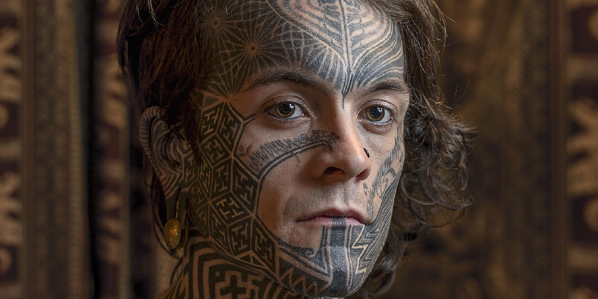 photos tatouage sur le visage les portraits saisissants de mark leaver. Black Bedroom Furniture Sets. Home Design Ideas