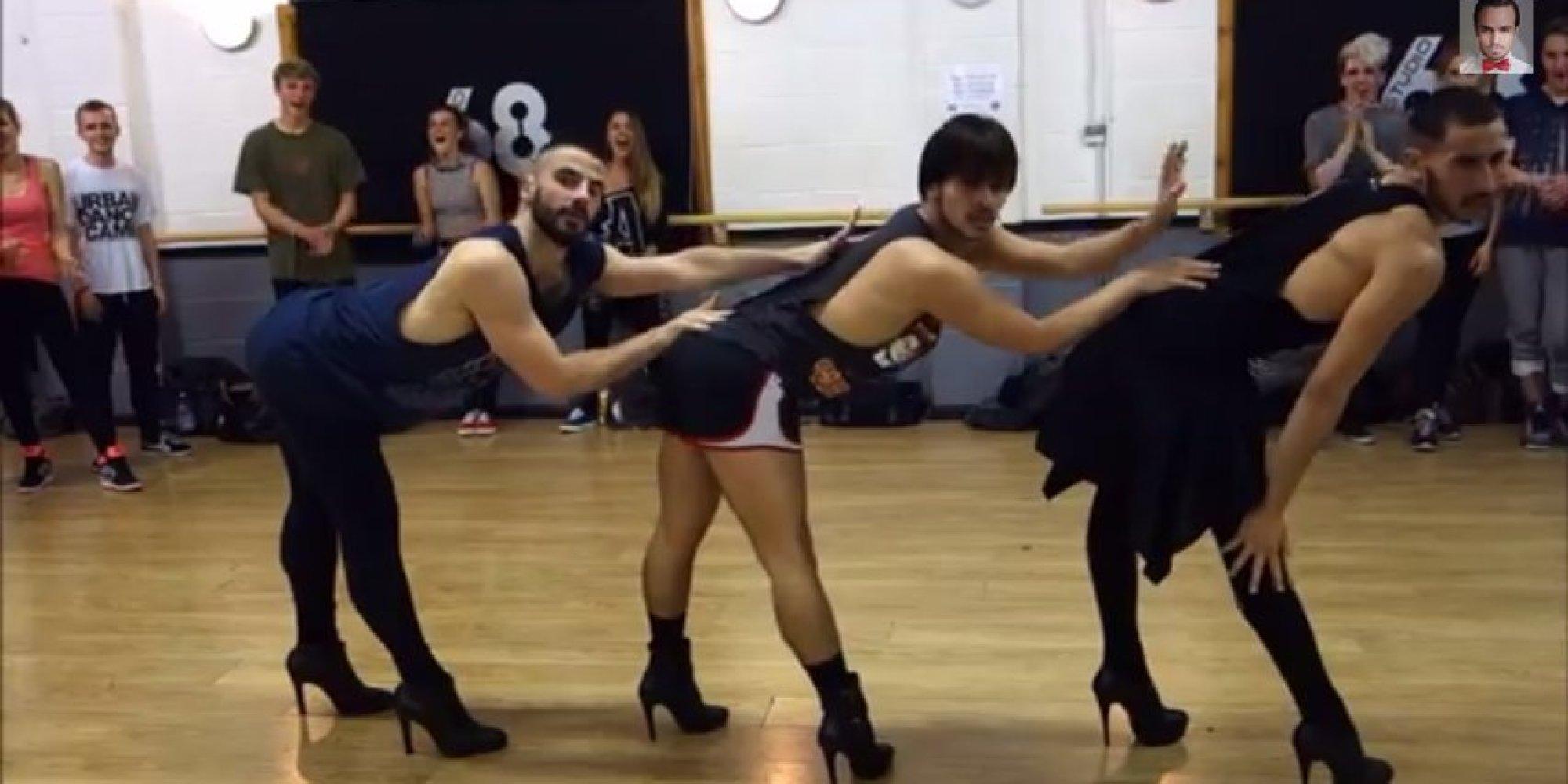 devki-klassno-tantsuyut