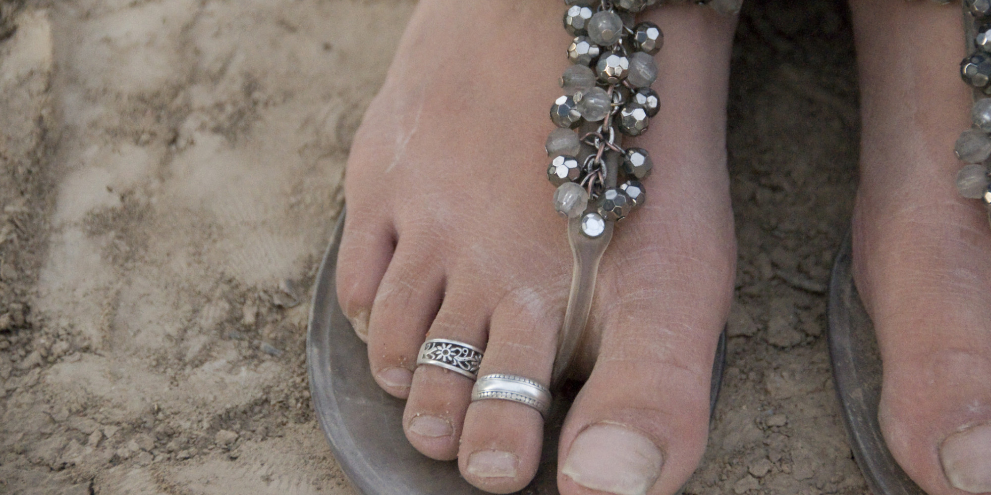 An Open Letter To Anyone Wearing Foot Jewelry Katie Hoffman