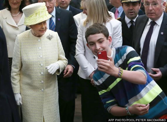 queen selfie belfast
