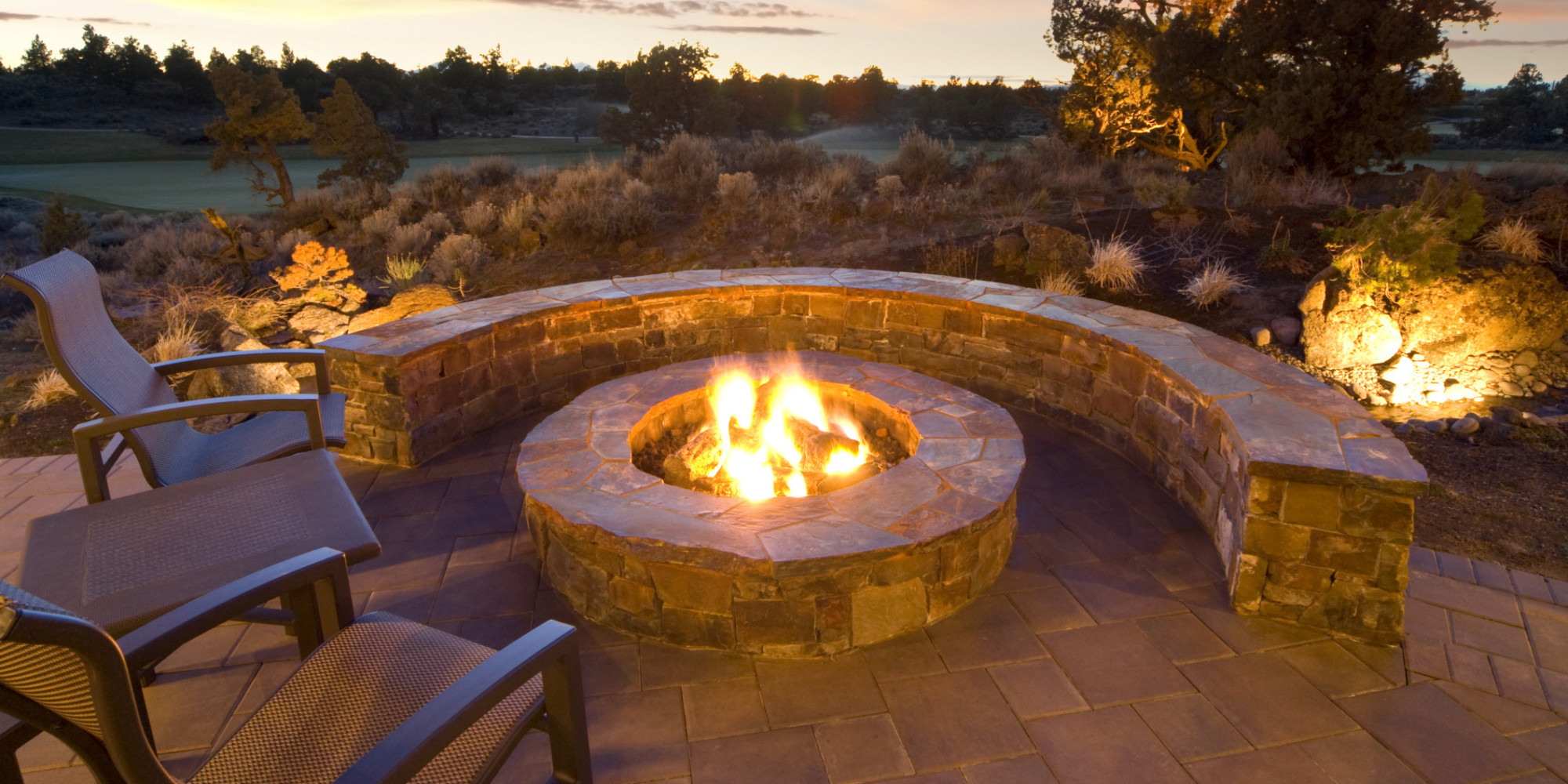 9 ideas that 39 ll convince you to add a fire pit to your backyard huffpost. Black Bedroom Furniture Sets. Home Design Ideas