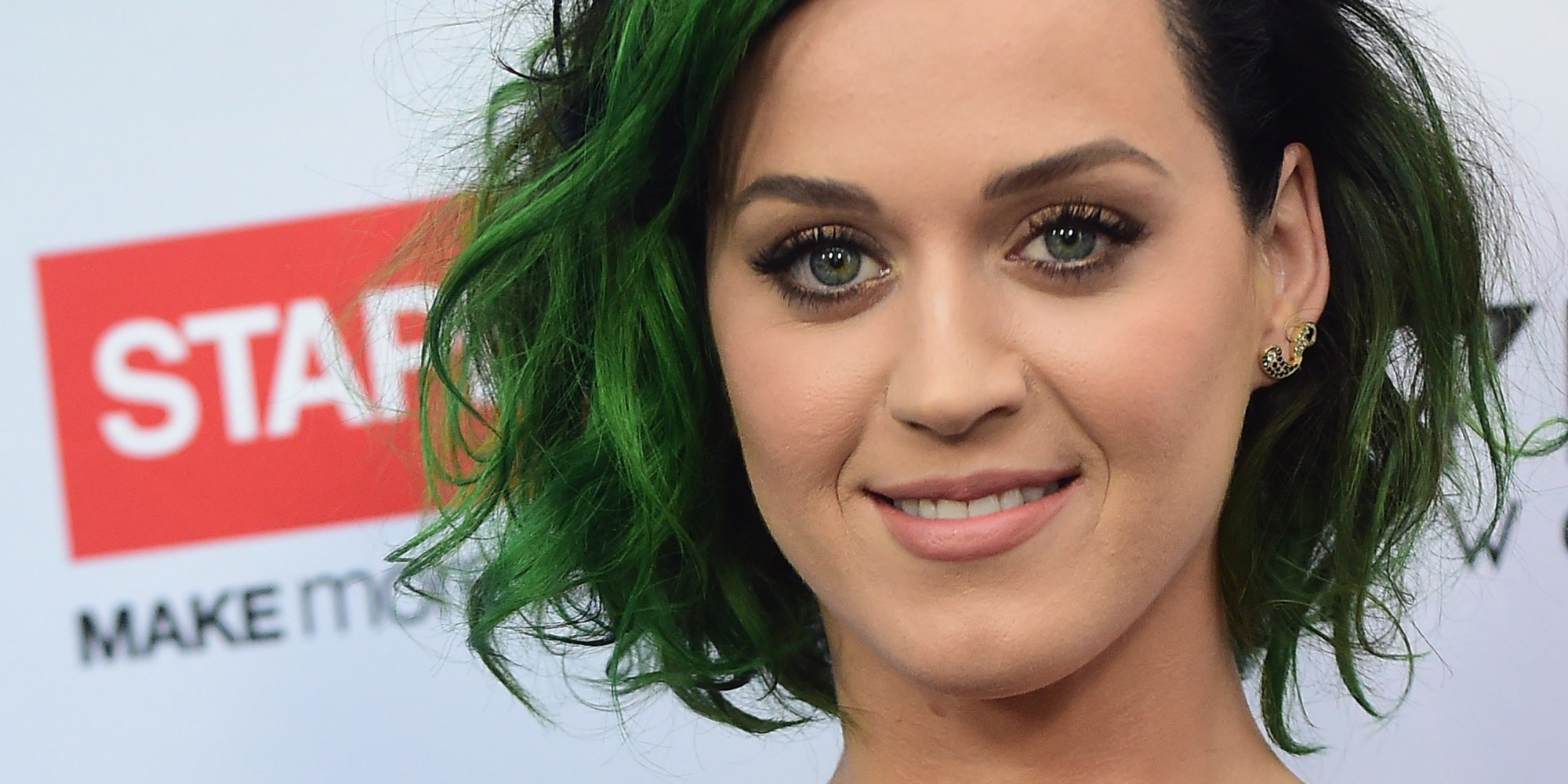 Katy Perry Reportedly Demands Someone Cut Up Her Fruit