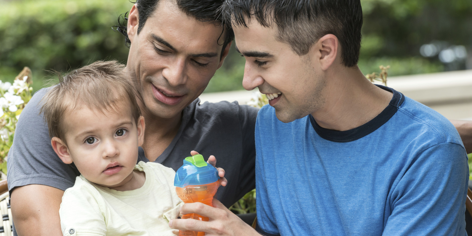 homosexual parents Discussion and debate about adoption and foster care by gay, lesbian, and  bisexual (glb) parents occurs frequently among policymakers, social service.