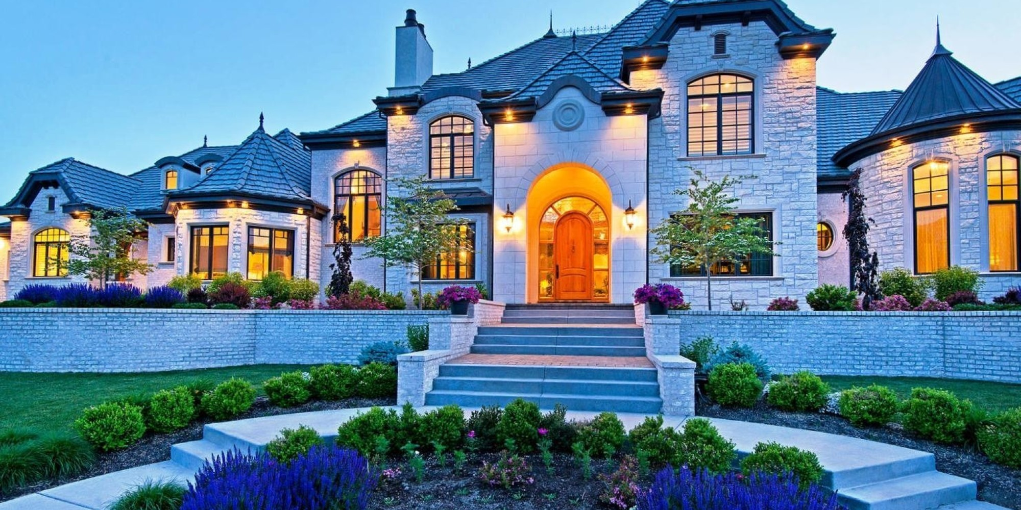 These 10 homes know how quality curb appeal is done for Pics of beautiful houses