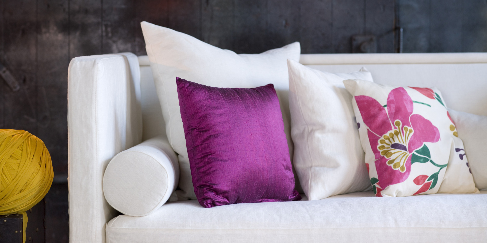 Throw Pillows: 4 Tips to Style Your Sofa Alessandra Wood