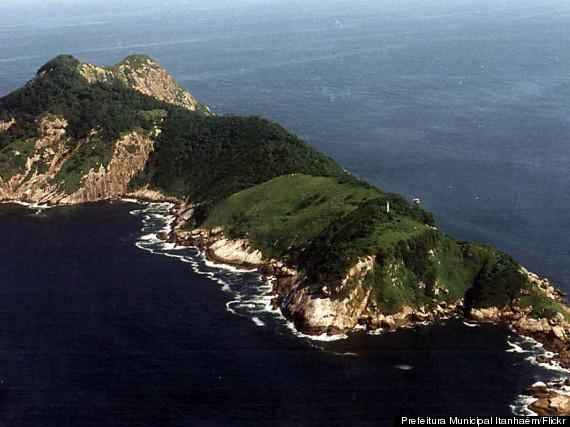 deadly snake island