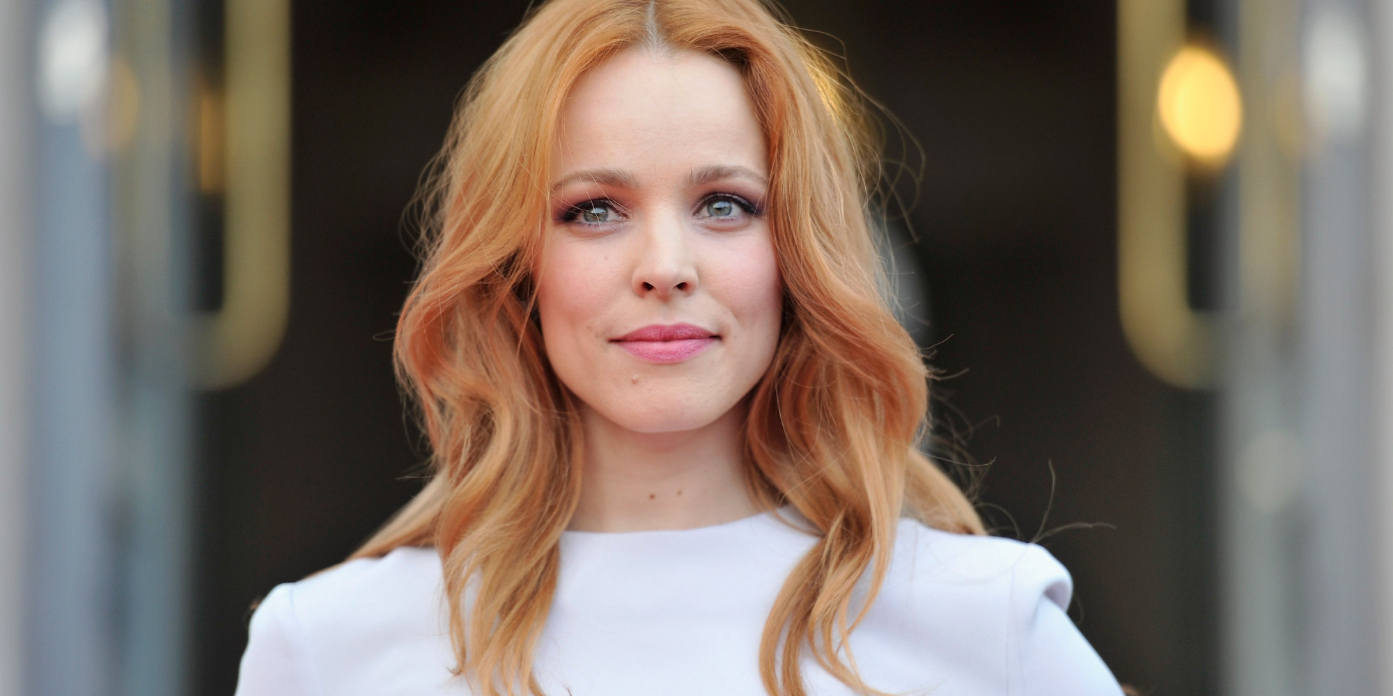 Rachel McAdams Wears No Makeup For Allure, Looks Gorgeous