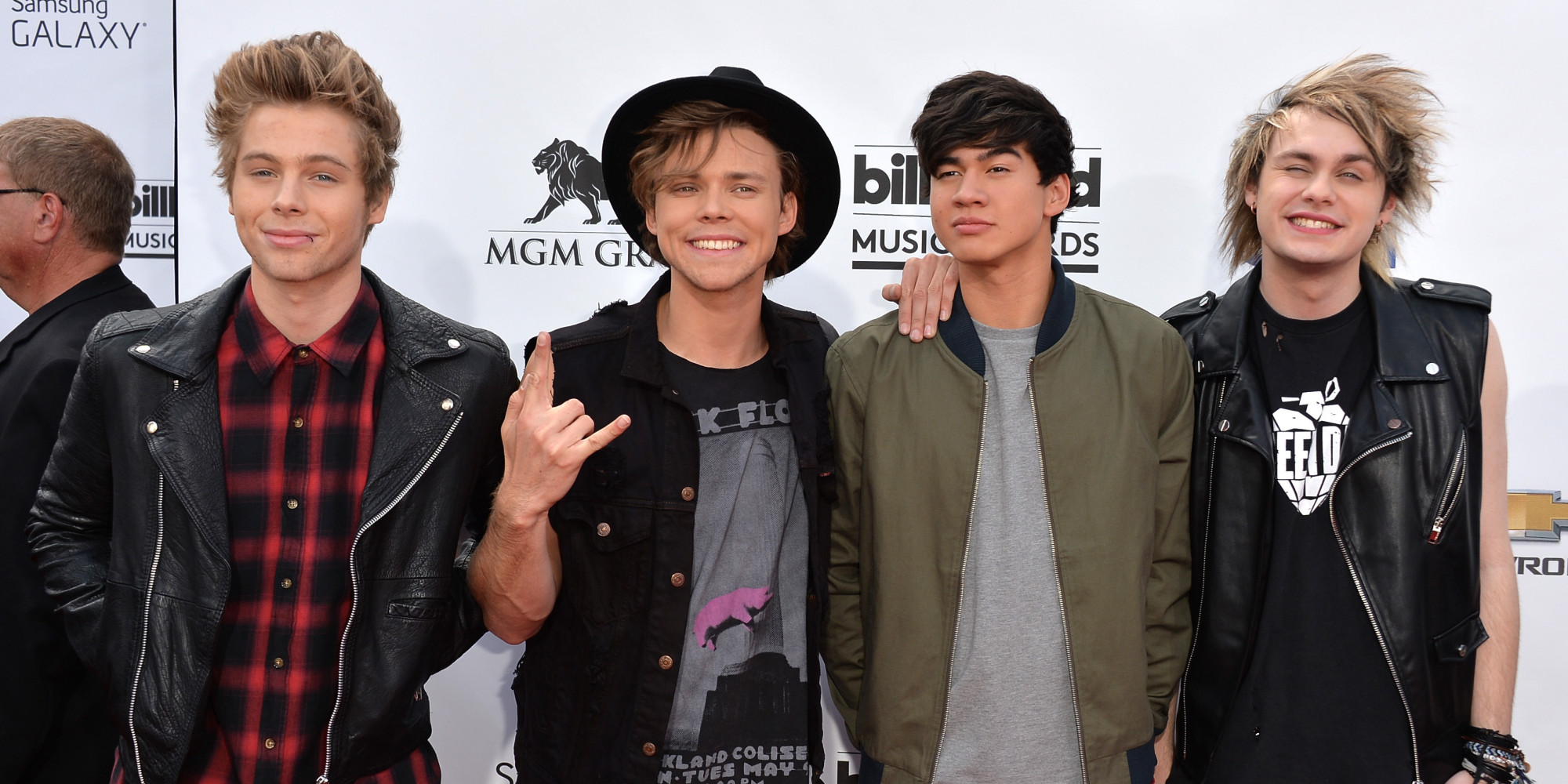 5 seconds of summer dating age