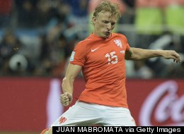 THE NETHERLANDS! Commentator Mistakenly Thinks Kuyt's Penalty Takes Netherlands Through To Final (Vine)