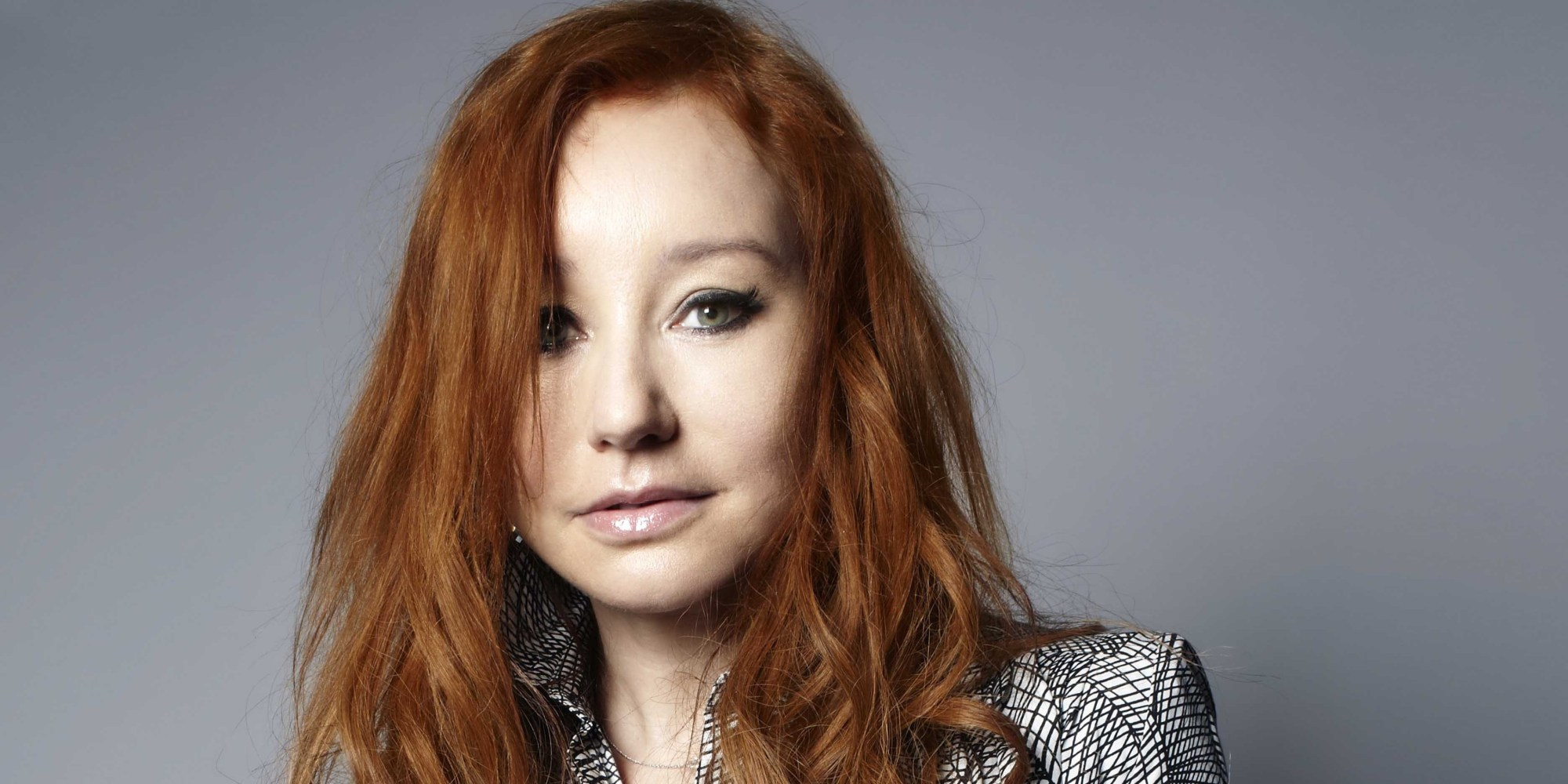 Tori Amos Goes Under The Covers With Miley Cyrus, Madonna ...
