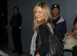 Jennifer Aniston Russell Simmons Photo Bomb