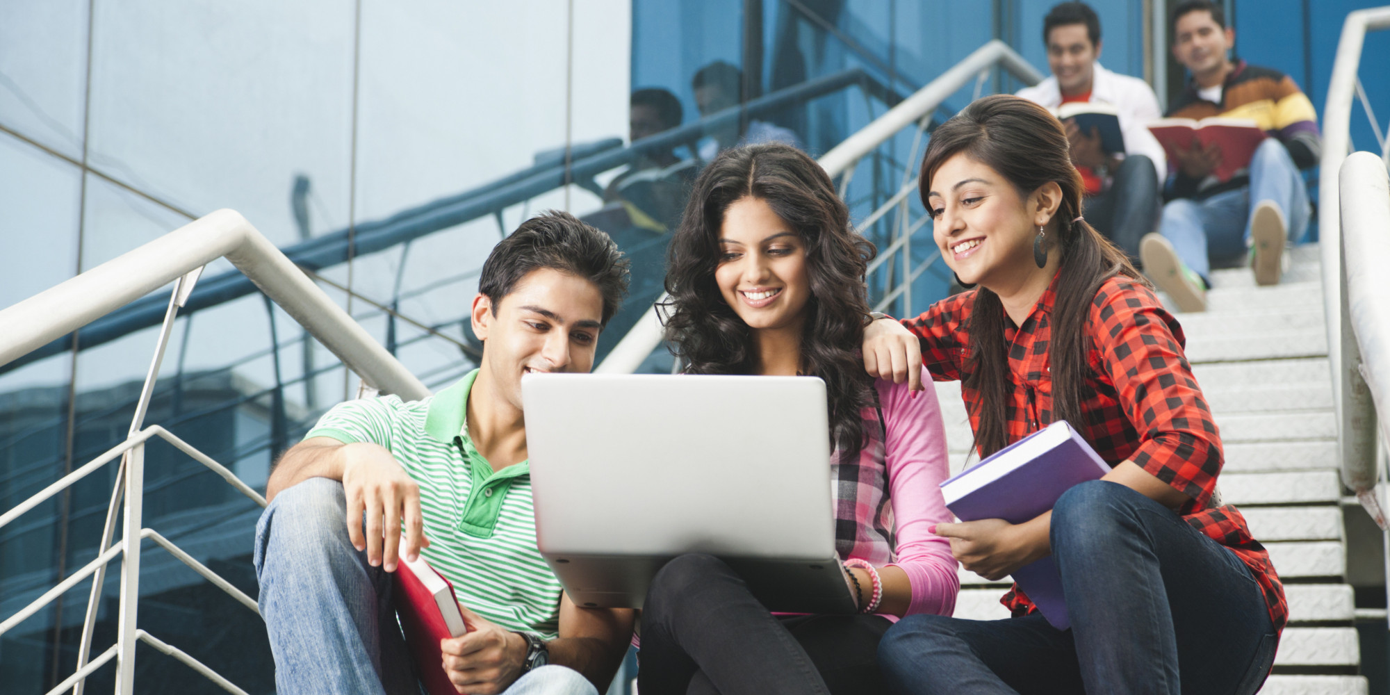 Internet Users In India Likely To Reach Up To 550 Million In 2018 Report Digital U Th