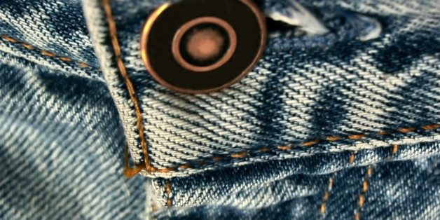 Here 39 s why you really shouldn 39 t wash your jeans huffpost - Levis ceo explains never wash jeans ...
