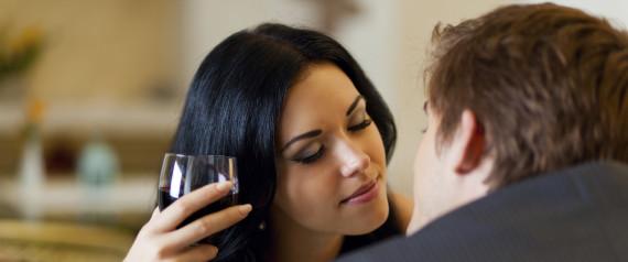 COUPLE KISSING RESTAURANT