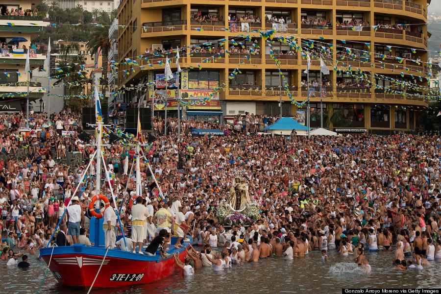 procession of the virgen del carmen tenerife