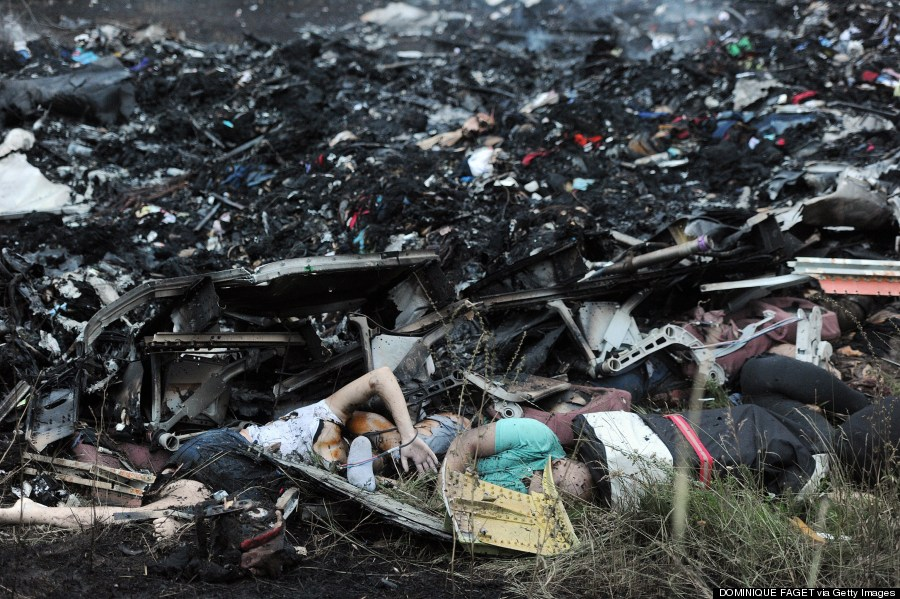 Plane Crash Photos Bodies 2014, shows bodies among