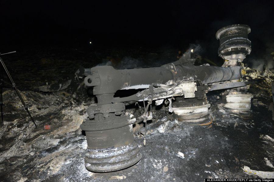 Flight MH17 Crash Photos Show Absolute Destruction (GRAPHIC