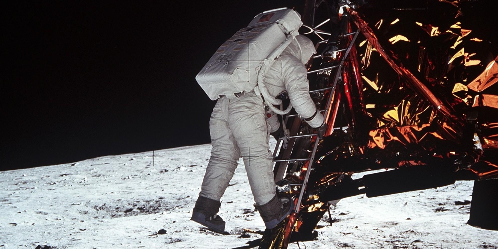 Apollo 11 Moon Landing Pictures: 45 Amazing Photos, 45 ...