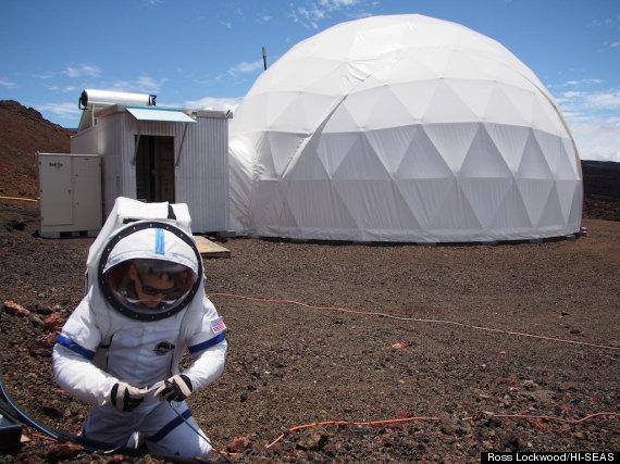 Участники опыта год имитировали марсианскую экспедицию наГавайях