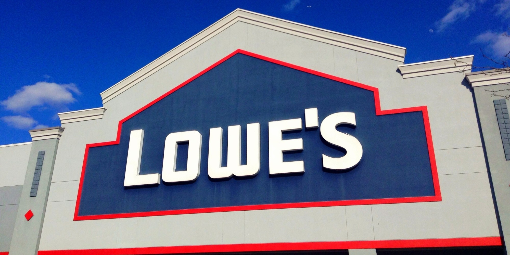 Lowe's shares the latest company news, in addition to community, human interest, and innovation stories.